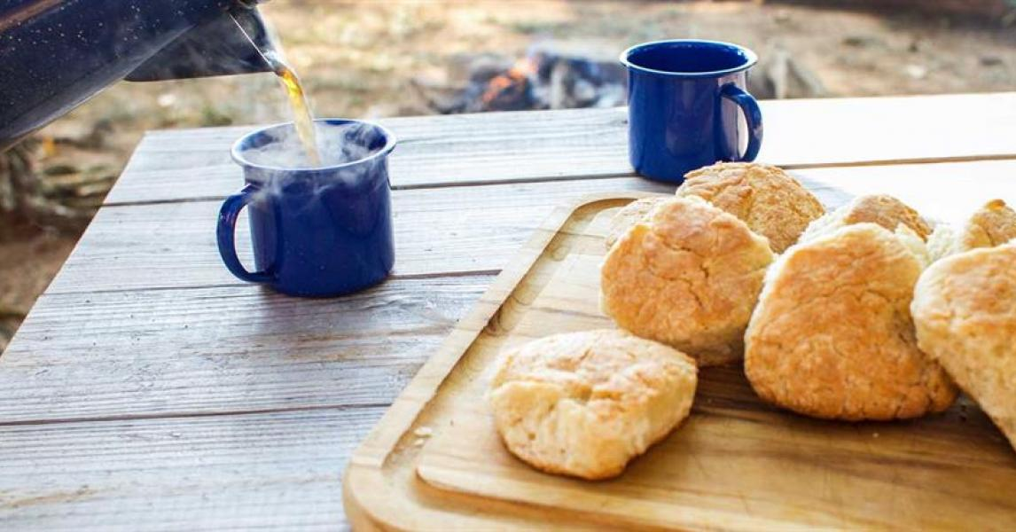 Campfire Buttermilk Biscuits Lodge Cast Iron